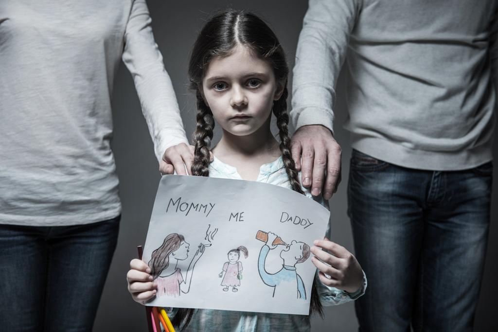 Дети от родителей алкоголиков фото
